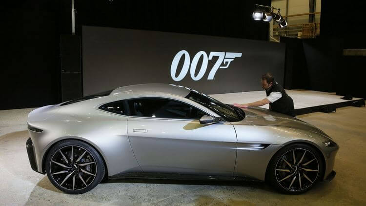 james bond and aston martin 7