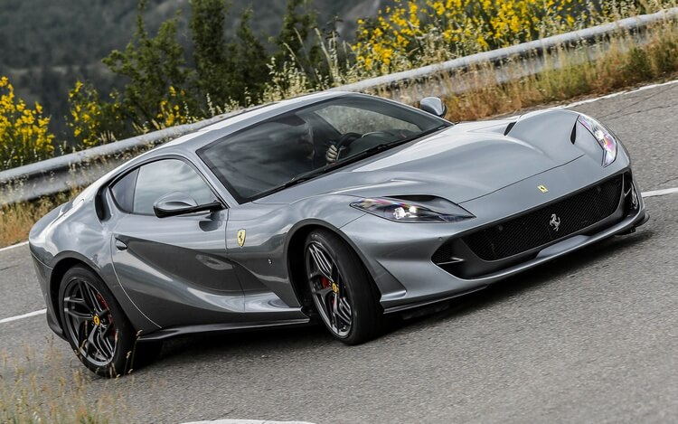 ferrari 812 superfast 8