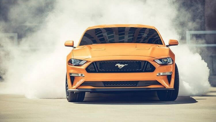 Battle of the Brawn: 2018 Chevrolet Camaro SS vs 2018 Ford Mustang GT