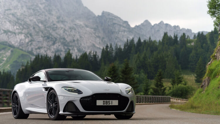 aston martin dbs superleggera 11