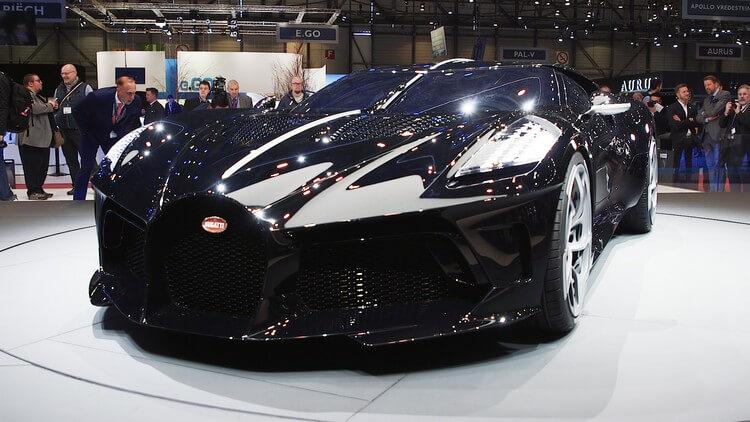 bugatti la voiture noire first look 8